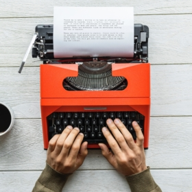 How To Turn Your Love For Writing Into A Full-Time Job [Guest Blog]